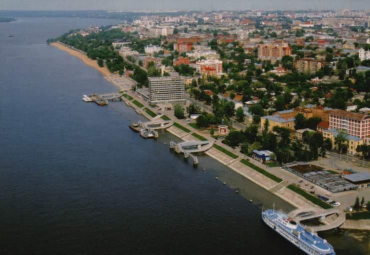 Самарский речной порт.  Открытка.  2001 год.